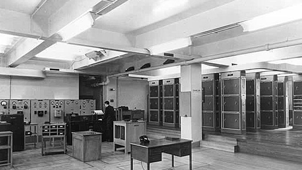 LEO computer system.