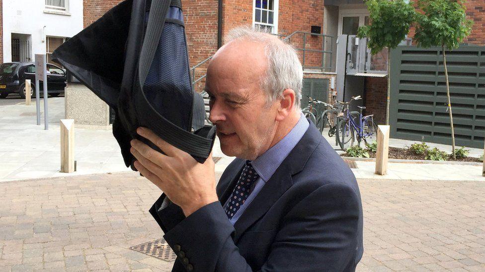 Dr David Crichton