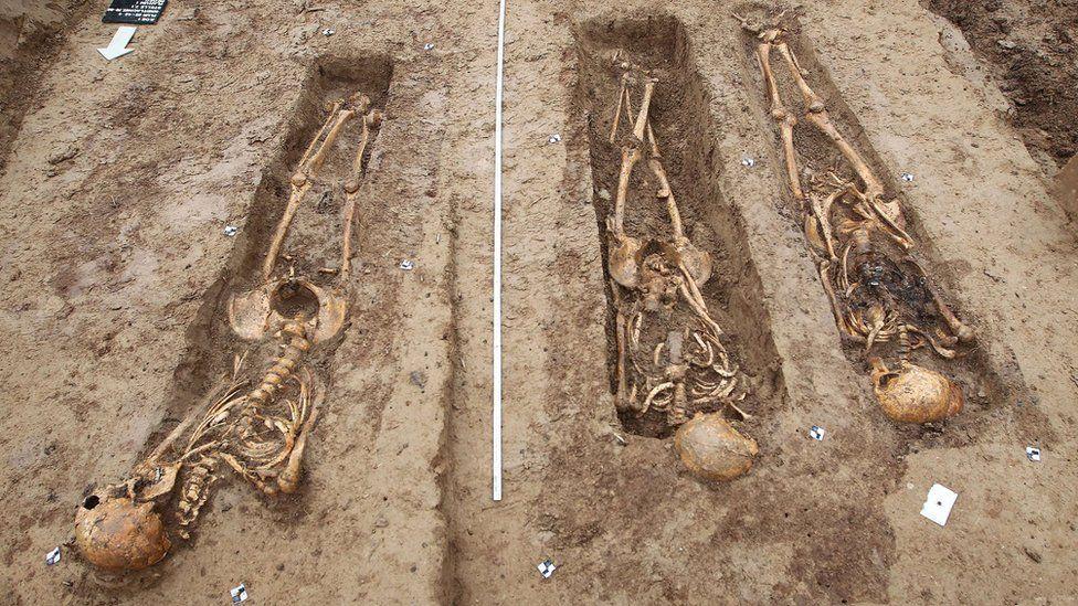 Skeletons discovered at building site in Frankfurt, western Germany, on 17 September 2015