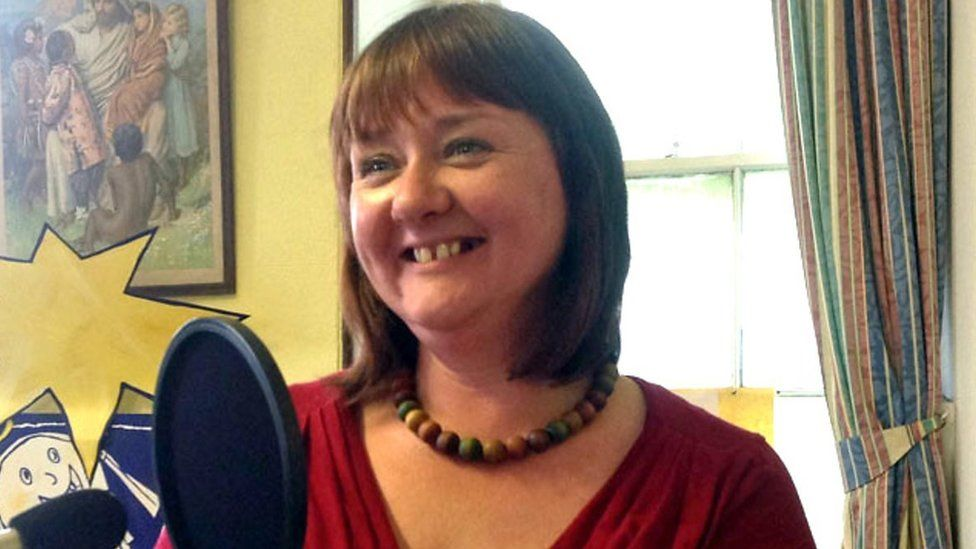 Nici oedd 'Bardd y Mis' BBC Radio Cymru ym mis Rhagfyr 2015