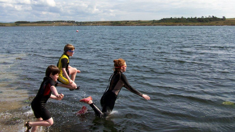 Fenella, David and Sholto jump into Duart Bay