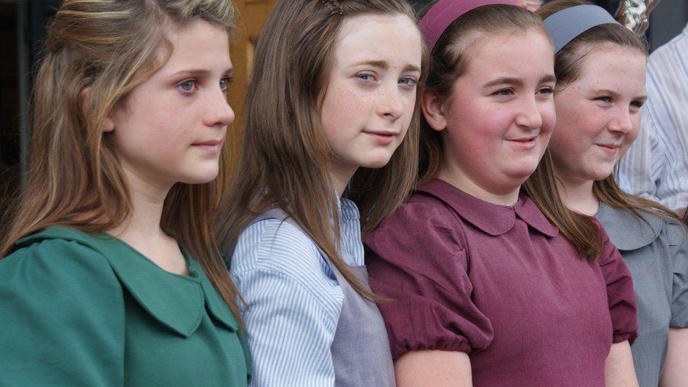Cystadleuwyr yn Eisteddfod Llangollen