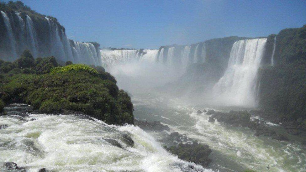Iguazo Falls