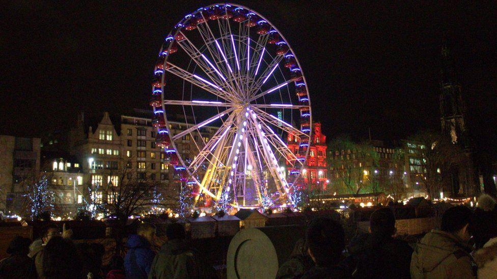 big wheel in Princes Street Gardens in Edinburgh at night