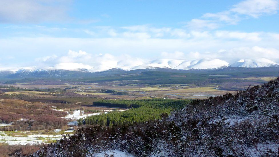 Kingussie golf course and the Cairngorms
