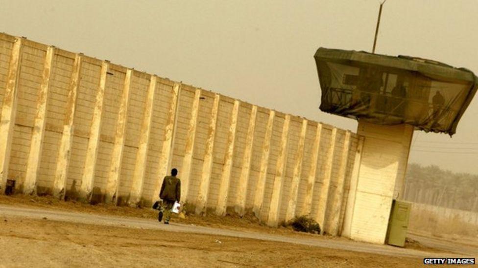 Iraq closes notorious Abu Ghraib prison - CBS News