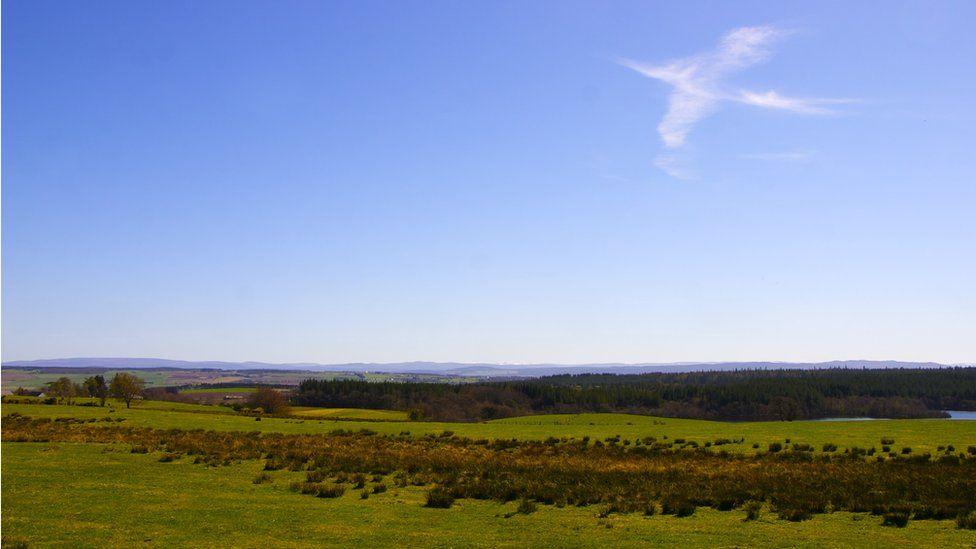 Bird shaped cloud formation spotted at Knockfarrel near Dingwall