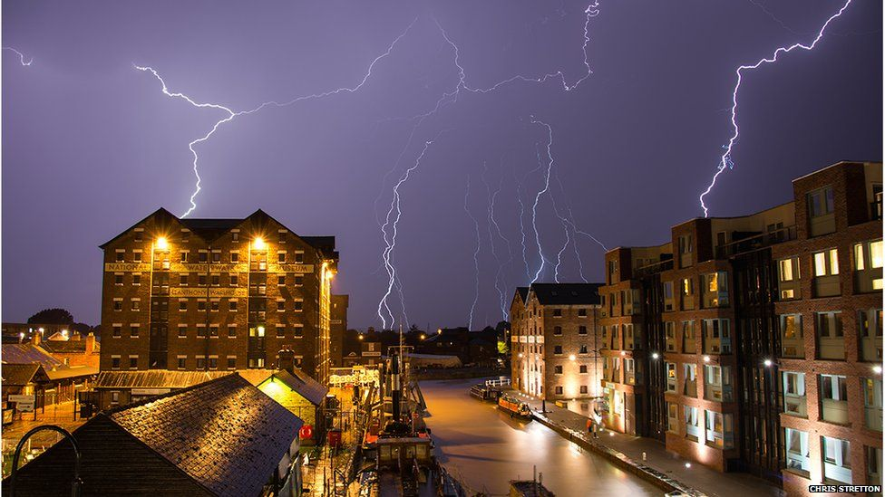 Lightning strikes several buildings at once in Gloucester