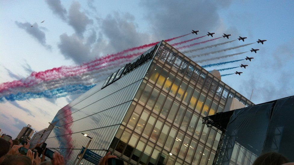 Red Arrows fly over BBC Scotland