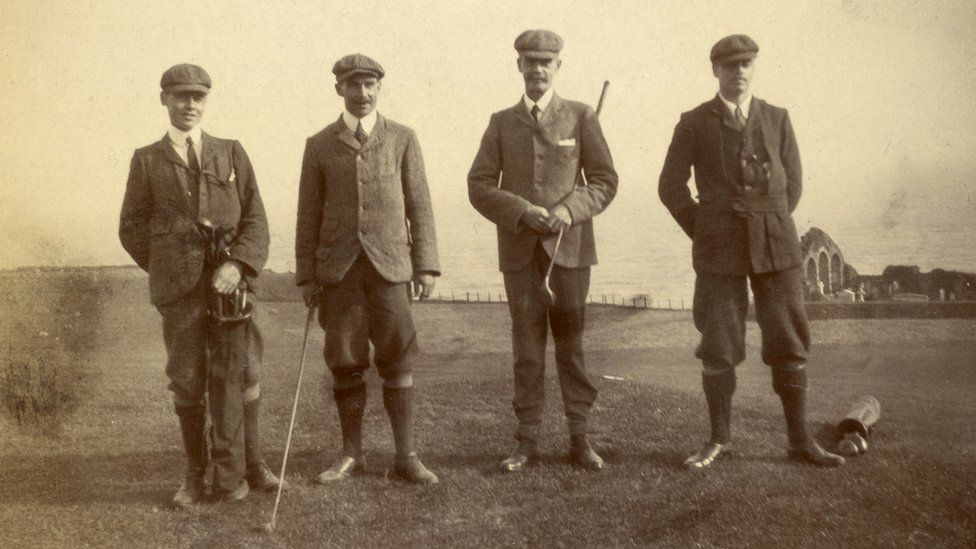 Golfers at Stonehaven in 1898