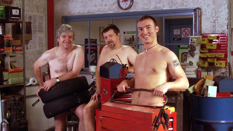 Derek Jones (Hywel Emrys), Meic Pierce (Gareth Lewis) a Darren Howarth (Huw Euron)