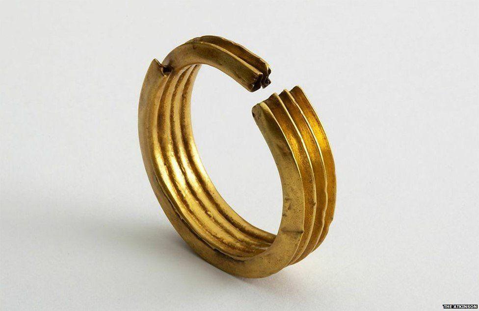 Gold hair ring, Dynasty 18