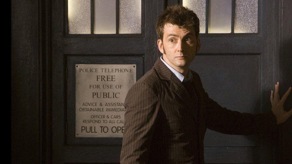Mae Doctor Who wedi ennill 25 Bafta Cymru i gyd, gan cynnwys gwobr yr Actor Orau i David Tennant