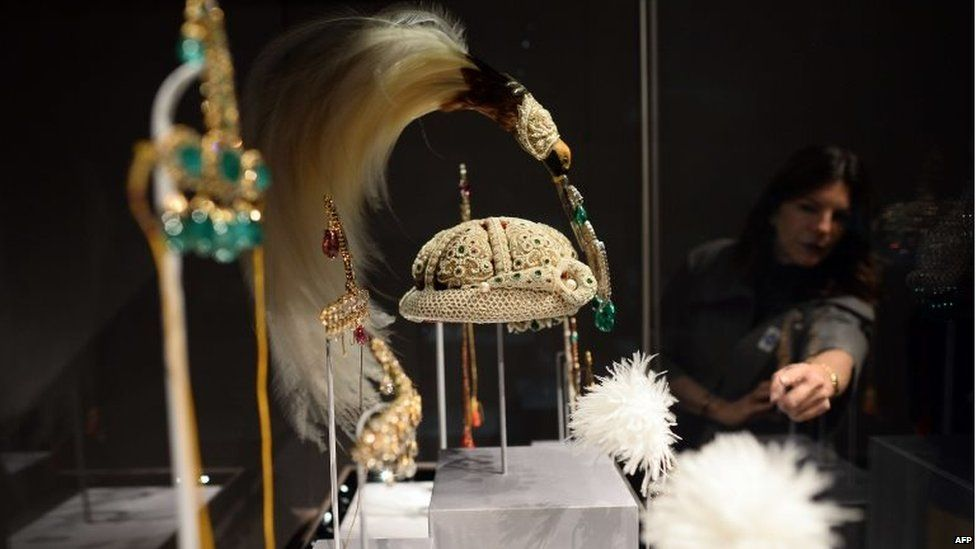 """Jewelled objects are on display during a press preview of an exhibition titled """"Treasures from India, Jewels from the Al-Thani collection"""" at the Metropolitan Museum of Art in New York o"""