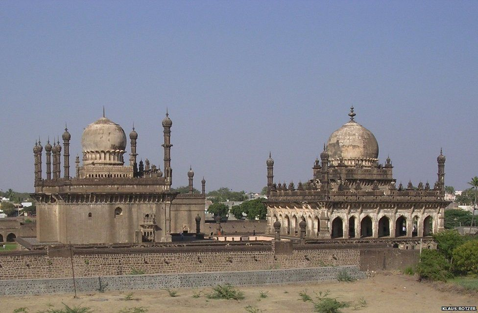 The funerary complex shown in the photograph was also designed by Sandal after 1597 in Bijapur (in present day southern Karnataka state).