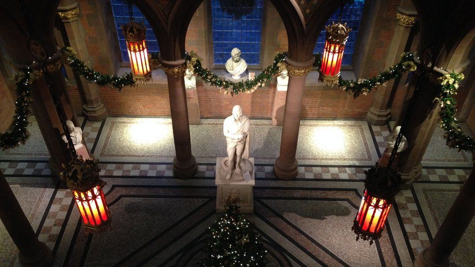 'A peaceful moment in the Scottish National Portrait Gallery' from Linda Nicol in Edinburgh