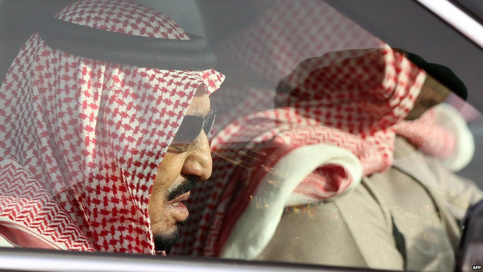 Saudi Arabia's newly appointed King Salman arrives for the funeral of his half-brother late King Abdullah at the Al-Od cemetery in the centre of Riyadh on 23 January 2015 following his death in the early hours of the morning
