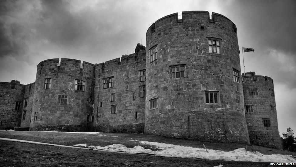 Castell y Waun / Chirk castle