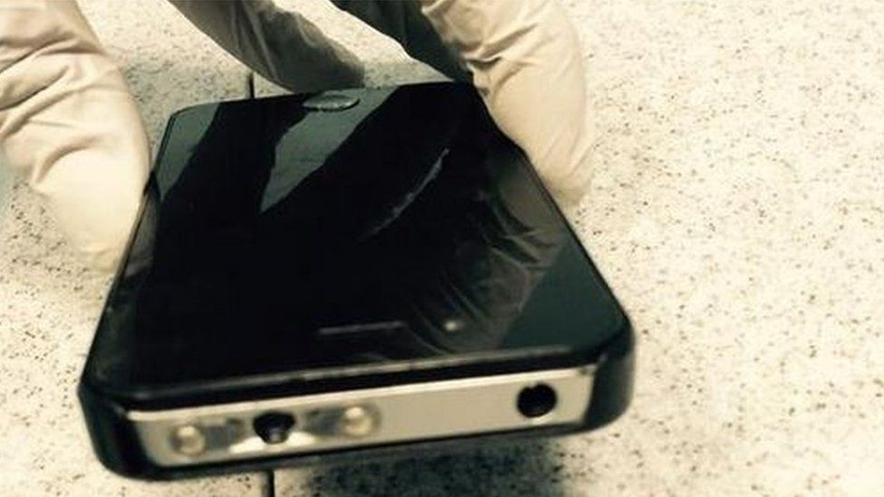 iphone stun gun taser iphone seized by newsbeat 12357