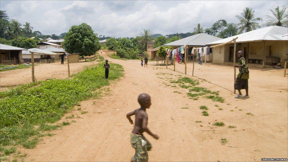 Children in the village of Mandopohlun