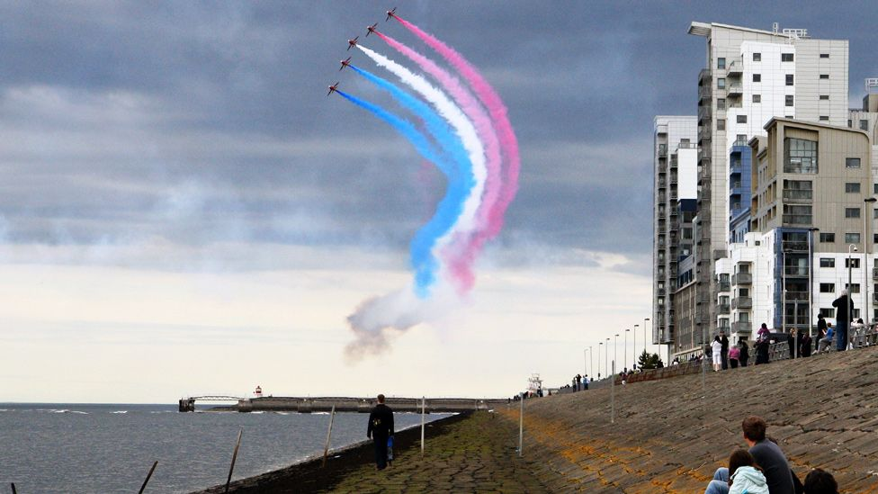 Red Arrows flying over the Firth of Forth