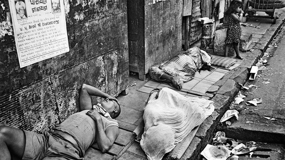 Sleepers on a footpath (Photo: Pablo Bartholomew)
