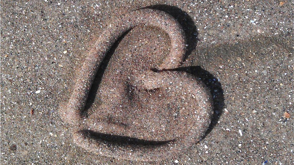 Lesley Duffy said a worm cast she found on West Sands beach at St Andrews looked just like a heart.