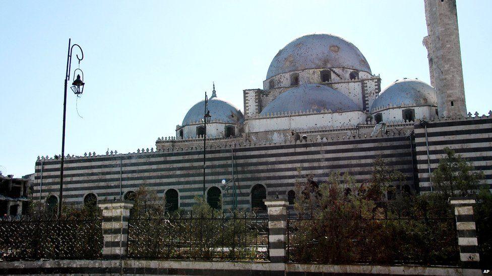 Syrian state news agency photograph showing the Khalid bin Walid mosque in Khalidiya, Homs (27 July 2013)