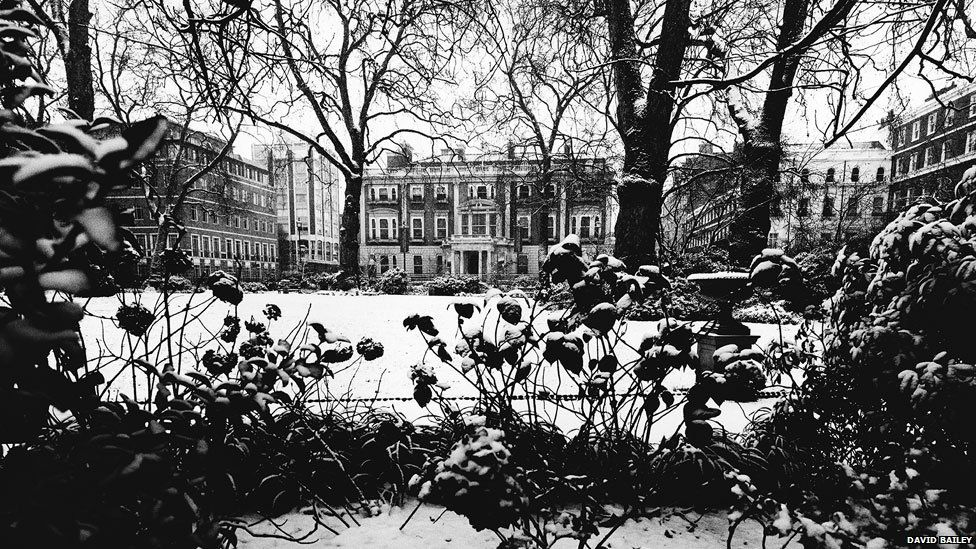 Hertford House from Manchester Square