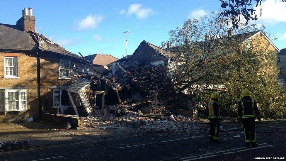 Fallen tree ruptures gas main in Hounslow