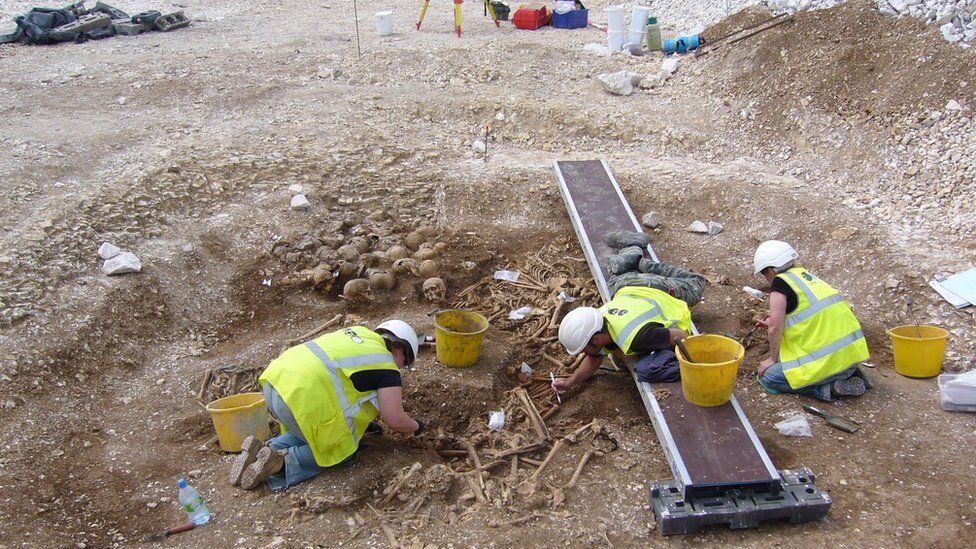Excavating the mass grave in Weymouth