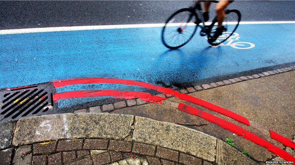 Cyclist and street markings