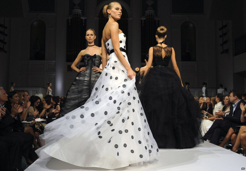 De la Renta's Spring 2011 collection is modelled during Fashion Week in New York.