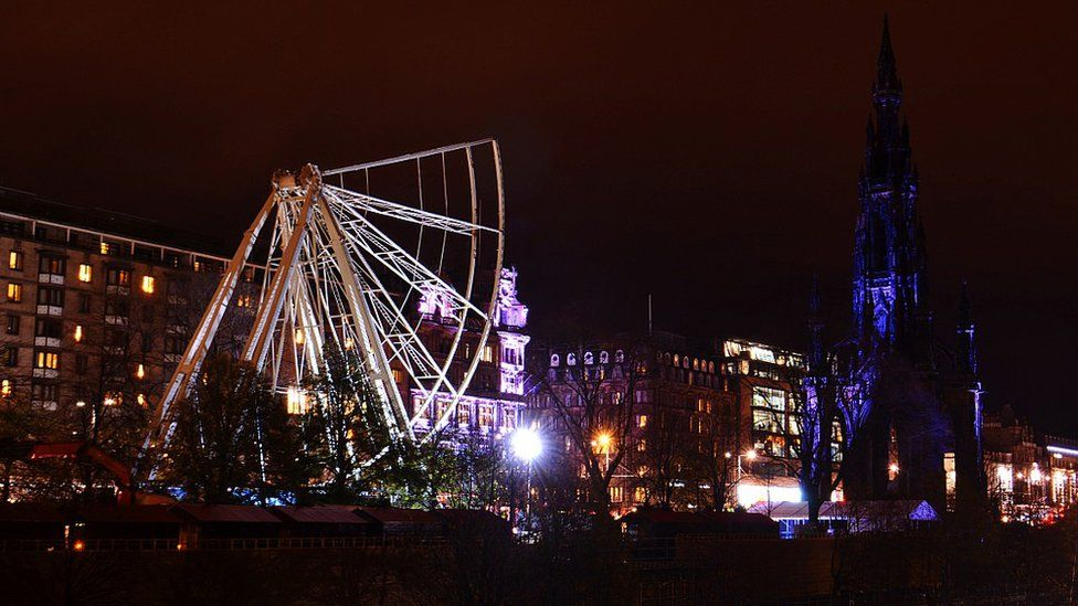Edinburgh's big wheel under construction