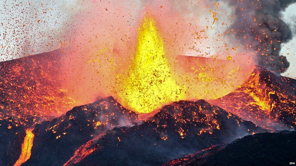 Pico do Fogo volcano erupts