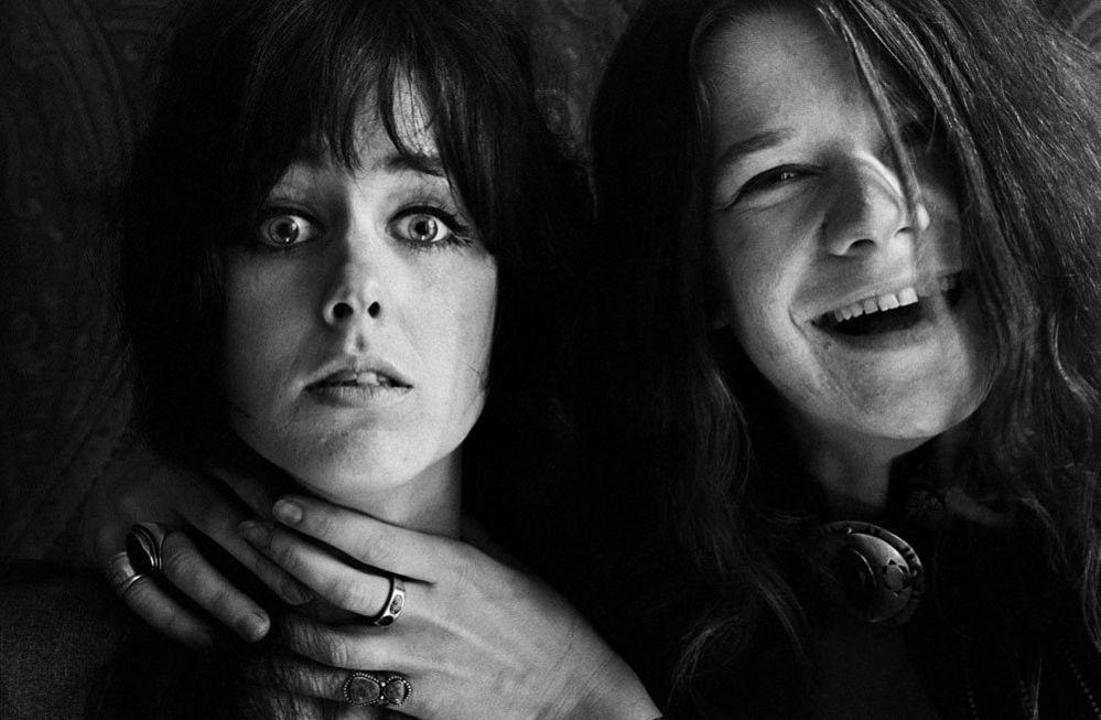 Janis Joplin mock-choking Grace Slick, San Francisco, 1967