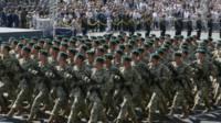 військовослужбовці