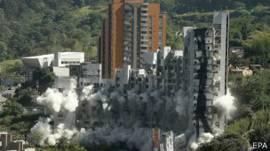 Demolición del edificio Space