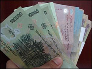 Image caption Hiện tiền Việt Nam mệnh giá cao nhất là 500.000 đồng