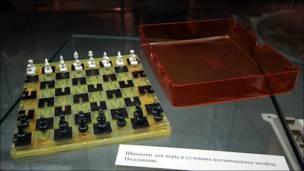 Шахматы для игры в невесомость. Фото Игоря Подгорного