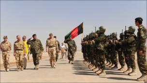 El Príncipe Carlos de visita en Afganistán.