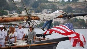 Tripulantes en el barco (Foto: Raquel Pérez)