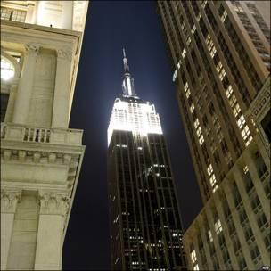 El Empire State en Nueva York con las luces prendidas