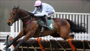 Carrera de caballos en Inglaterra.