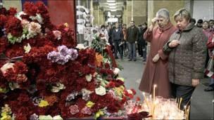"""Цветы на станции """"Парк Культуры"""""""