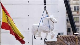 Retiro de la estatua del general Francisco Franco