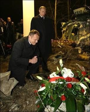 El primer ministro polaco, Donald Tusk, con su homólogo ruso, Vladimir Putin