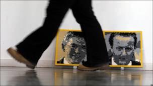Retratos de David Cameron y Gordon Brown en el parque Legoland