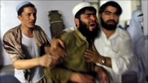 Afectados por bomba en hospital en Pakistán