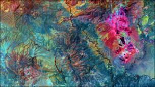 Foto: NASA/GSFC/METI/ERSDAC/JAROS, and U.S./Japan ASTER Science Team
